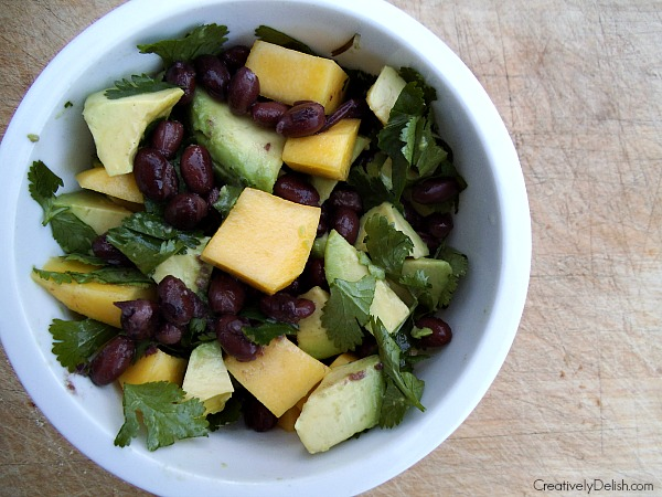 avocado mango salad 001