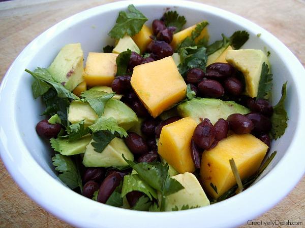 avocado mango salad 004
